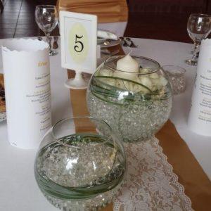 Esküvői asztali futó bézs – csipke