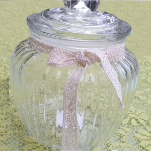 Csíkos üveg edény fedővel